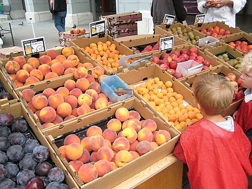 EF_Ferry_Market_SF_Peaches