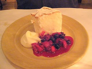 EF_Chez_Panisse_Cafe_Berkeley_Angel-Food_Cake_with_Berries