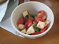EF_PA_Brandywine_Tomato_Caprese_Salad