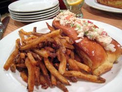 EF_Hank's_Oyster_Bar_Lobster_Roll