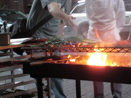 EF_Savoy_Calcotada_grilling_calcots