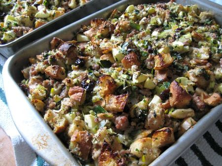 EF_Thanksgiving_2010_Apple_Sausage_Stuffing