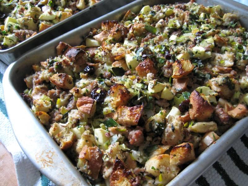 EF_Thanksgiving_2010_Apple_Sausage_Stuffing